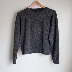 Forever 21 sweater M